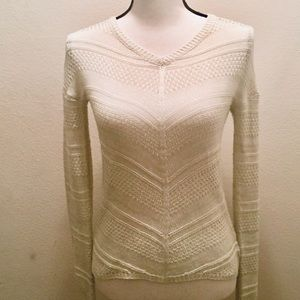 Pink Rose White V-neck Sweater Size Extra Small